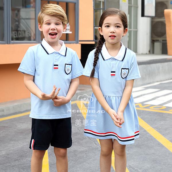 走过学生时代留下校服、回忆-校服厂家美惠宝