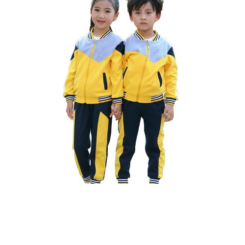 美惠宝幼儿园园服告诉你-宝宝入秋穿衣的四种讲究