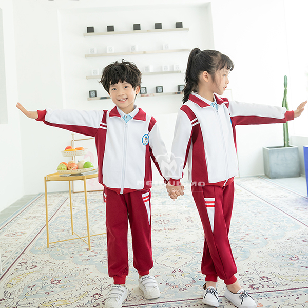 中国传统式学生校服