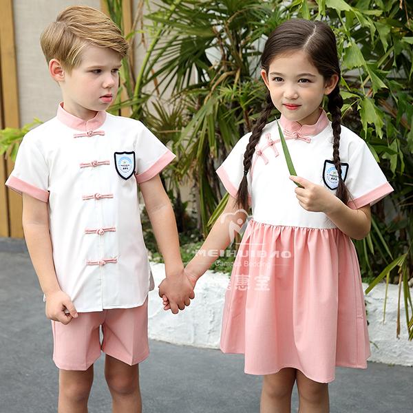高端幼儿园园服套服应当怎么制作?