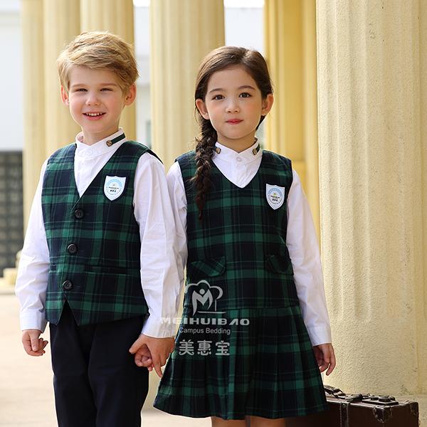 纯棉的幼儿园服装如何?