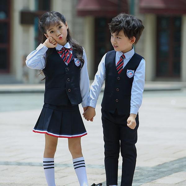 幼稚园服装面料含棉不少于60%