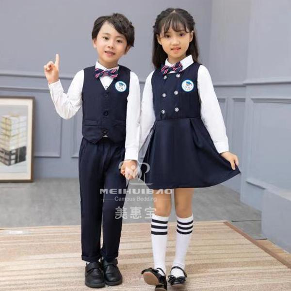 什么样的园服适合夏季的小朋友穿?